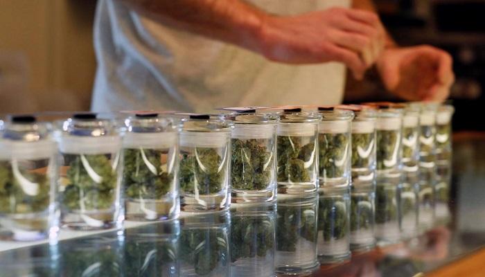 Медицинская группа по торговле марихуаной подала в суд Лос-Анджелеса