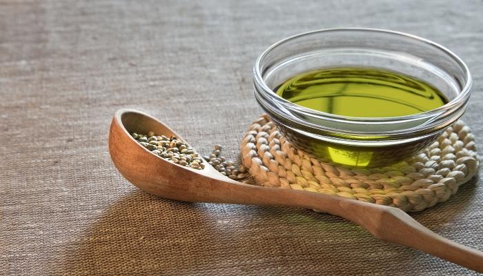 Омолаживающие свойства масла семян конопли.