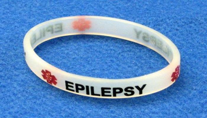Обострение фокальной эпилепсии у двух пациентов после отказа от марихуаны