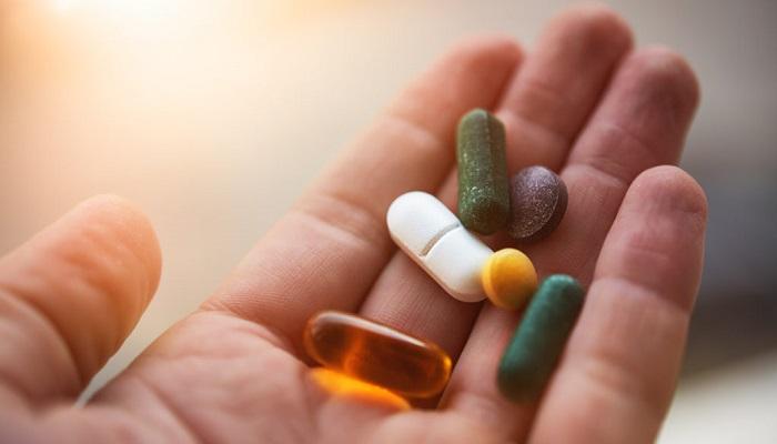 Набилон против прохлорперазина