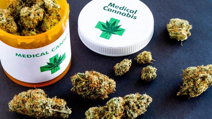 Курение марихуаны уменьшает симптомы болезни Крона